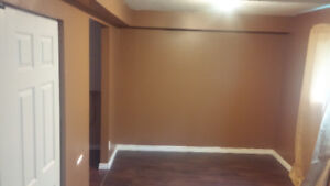 DOUBLE bedroom available on May 15. ALL utilities included