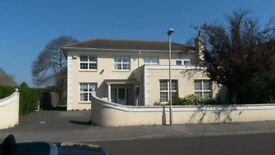 1 Bedroom Self Contained Flat / Large House Annex, 0.25 Acre Garden & 10M Swimming Pool !!