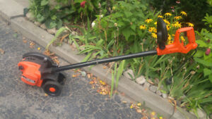 Black and Decker 2 in 1 Edgehog landscape edger and trencher