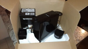 Nespresso Essenza mini espresso machine with Aeroccino 3