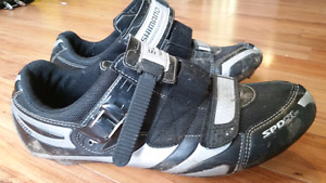 Shimano R086 Road Cycling Shoes w/clips