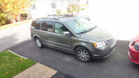 2010 Chrysler Town & Country Camionnette