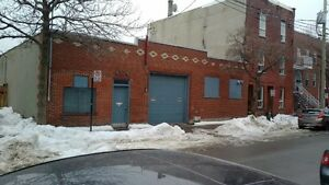 Commercial/Industrial space for rent/Espace commercial a louer