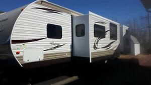 2013 Catalina Deluxe edition 32bdhs