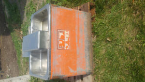 2 heated water bowls and spare parts