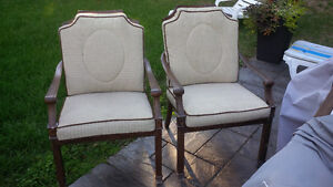 6 Outdoor Furniture Chairs/Cushions