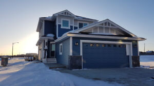 LEGAL SUITE FINISHED SINGLE FAMILY HOME IN MANNING VILLAGE