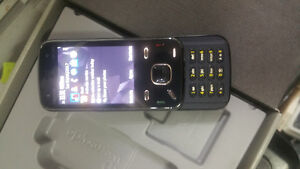 Nokia n86 bar slide phone with roger/chatr