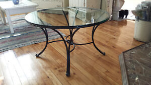 jolie table en vitre/ glass coffee table