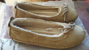 Moccasin slippers - Mocassins pantoufles