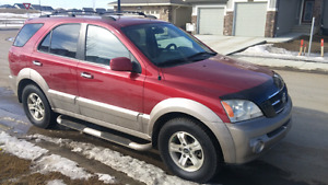 2003 Kia Sorento EX AWD with 170k and clean inspection