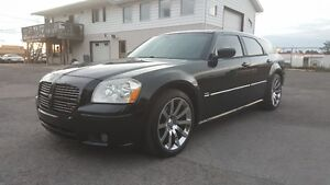 DODGE MAGNUM HEMI RT *** FULLY LOADED *** EASY FINANCING