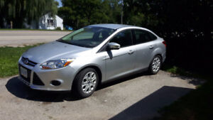 2014 Ford Focus SE Sedan With Summer and Winter Tires