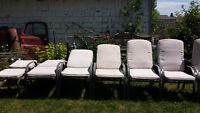 6 solid lawn chairs & 2 stools