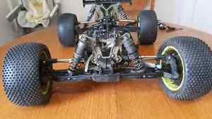 Losi 8ight T Truggy  1/8 scale roller