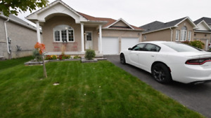 CUTE 2+2 Bedroom Bungalow - Great Location of Lindsay