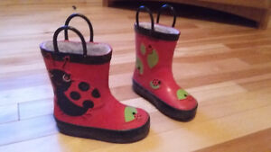fleece lined rubber boots size 7