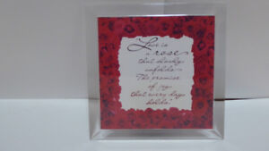 """GIFT FOR HER: """"LOVE POEM"""" STAND-UP MUSIC BOX - MINT/WORKS"""