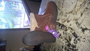 Sketchers Tone Up Winter Boots size 7 NEW