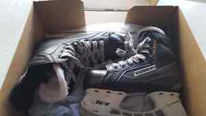 Bauer 150 kids size 1.5D US2.5 great condition. Used one season