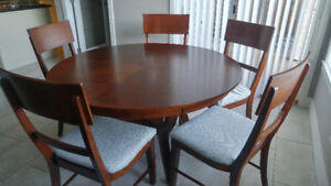 """Round 70"""" dining table + 6 chairs"""