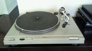Technics stereo turntable record player