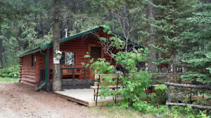 Crowsnest Pass Year-round Cabin Rental