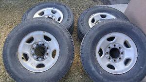 Chevrolet Silverado 2500 HD Rims w/ Michelin LTX Winter Tires