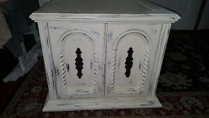 Large Vintage end table with lots of storage