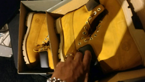 Timberland NEUF NEW never worn size 9.5 (size 10 in sneakers)