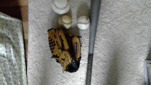 Baseball Starter Set (Kids glove, metal bat, 3 balls)