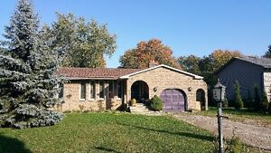 Ranch for sale, large lot Tecumseh
