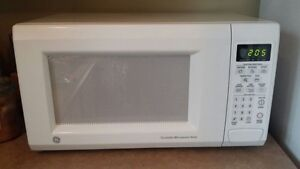 Microwave For Sale, Clean and works perfectly