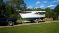 1986 Hunter 23 with trailer and 4 stroke motor