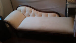 150+ year old charming Chaise lounge fainting couch