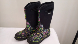 Girls Bogs Size 13 Youth