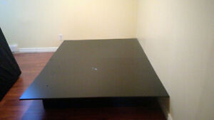 Queen size bed with mattress, Brossard