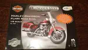 Harley Davidson Road King scale model