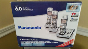 Panasonic Answering System with 3 Cordless Handsets