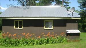 Just cancelled 2 bdr waterfront cottage Aug.22-30 $80nt  $450wk