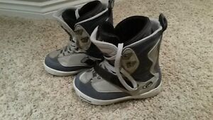 Morrow snowboard boots (size 7)