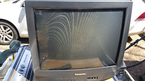 """Nice 21"""" Panasonic colour TV with remote. Delivered."""
