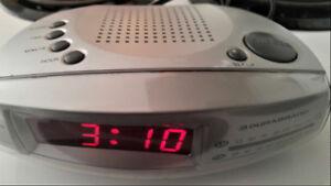 FM/AM CLOCK RADIO WITH ALARM