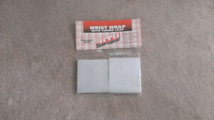 Cotton wrist wraps and lifting chalk