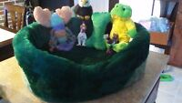 Small Puppy Dog Cozy Bed / Puppy Toys / Dbl Food Dish