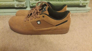 Like new DC shoes
