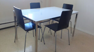 Glass Dinning Table and Chairs Kitchener / Waterloo Kitchener Area image 1