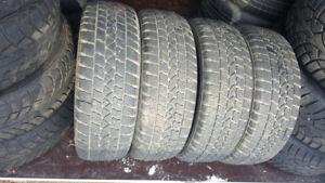 4 pneu d'hiver ARTIC CLAW 185 60R 15 BON etat