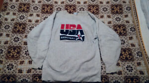 1992 USA Basketball Sweatshirt made by Champion