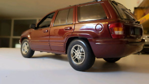 JEEP GRAND CHEROKEE 1/18 SCALE, Dark Red DIECAST MODEL.